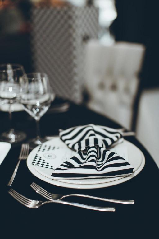 lela-design-crno-bijelo-vjenčanje-7